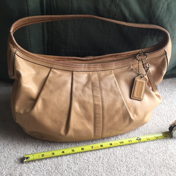 """Tan Leather Coach Carryall Purse 15"""" Wide"""